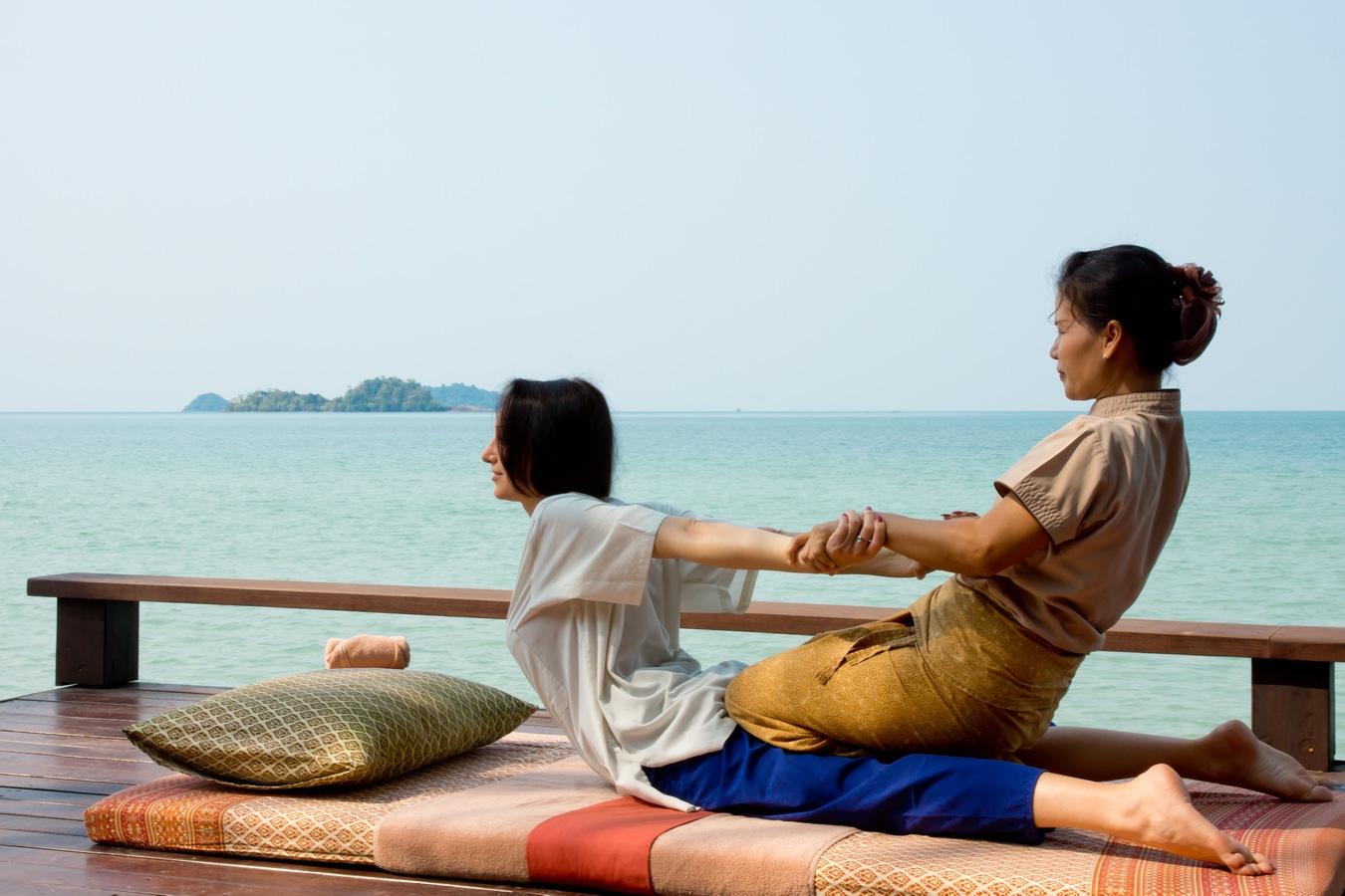 Ayurvana Beach Massage  1 1350
